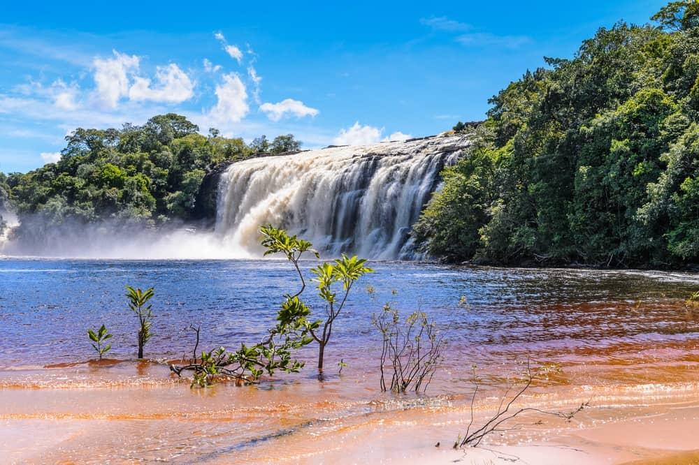 Sostienen que la estrategia de recuperación del turismo empieza por los destinos nacionales